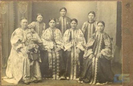 Костюмы уральских казачек
