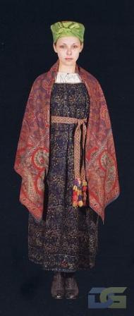 Праздничный женский костюм.